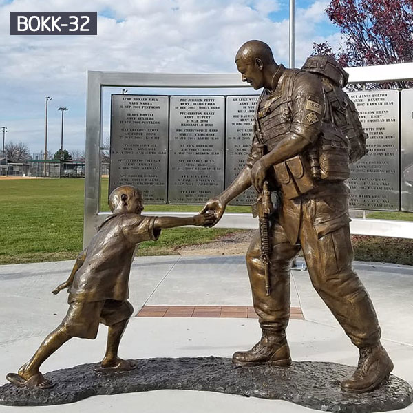 Lawn bronze casting memorial military solider and child statues for sale